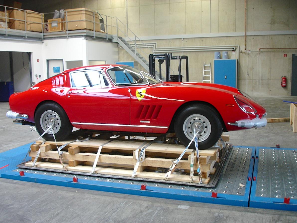 Ferrari 009